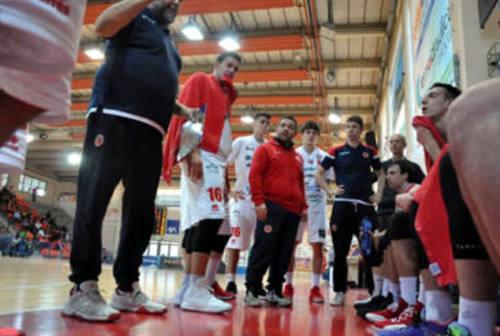 Il basket regionale si ferma, la Goldengas no: gran gesto di solidarietà