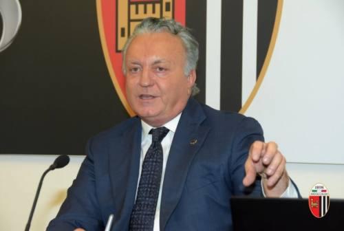"""Ascoli, patron Pulcinelli lancia un messaggio a città e tifosi: «Speriamo di vedervi presto """"in campo""""»"""