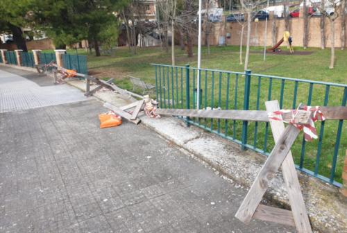Fdi: «Abbandonato il parco di piazza Fontana». Foresi: «Entro il mese i lavori»