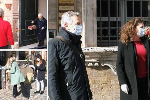 Recanati, 60mila mascherine dalla Cina. La consegna porta a porta