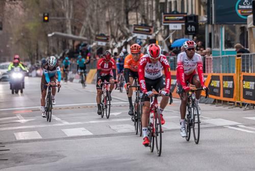 Tirreno-Adriatico, nel weekend la competizione ciclistica irrompe nelle Marche