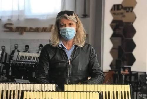 """Castelfidardo, il messaggio """"antivirus"""" dell'imprenditore della fisarmonica"""