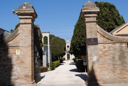 Coronavirus, a Castelfidardo anche il cimitero sarà chiuso al pubblico