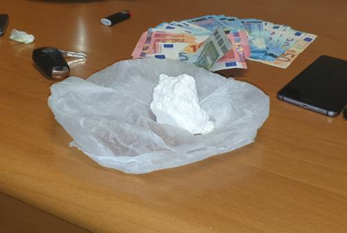 Trovato con 62 grammi di cocaina: in manette un pizzaiolo 37enne. Il Video