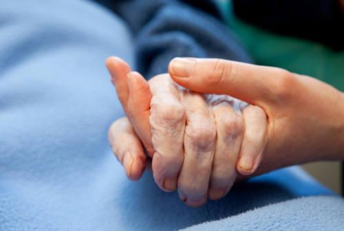 Senigallia, le due fondazioni sospendono le visite dei parenti agli anziani
