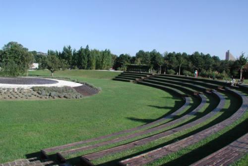 Pesaro, contro lo spaccio al parco Miralfiore il taglio del verde. Il no degli ambientalisti