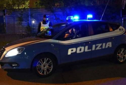 Civitanova, si butta da una balconata per scappare dalla polizia. Pusher in manette
