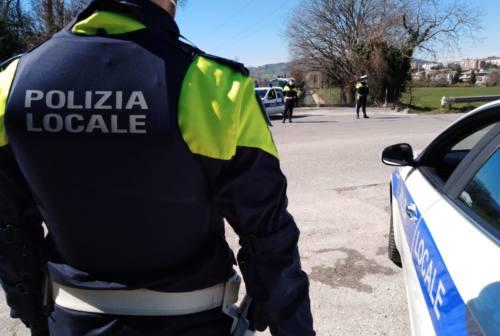 #iorestoacasa: la Polizia locale sanziona quattro persone a Tolentino