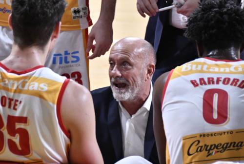 Basket, parla il coach della VL Pesaro: «Non si può ricominciare»