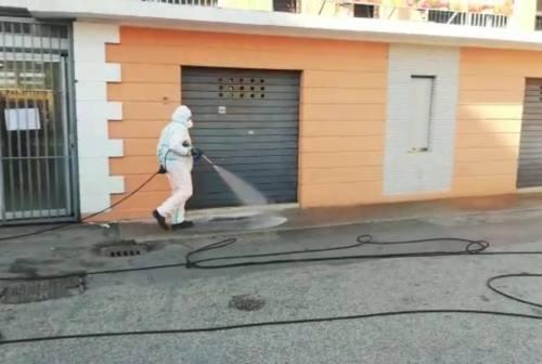 Ancona, al via la sanificazione delle strade. Mancinelli: «Dovete restare a casa»