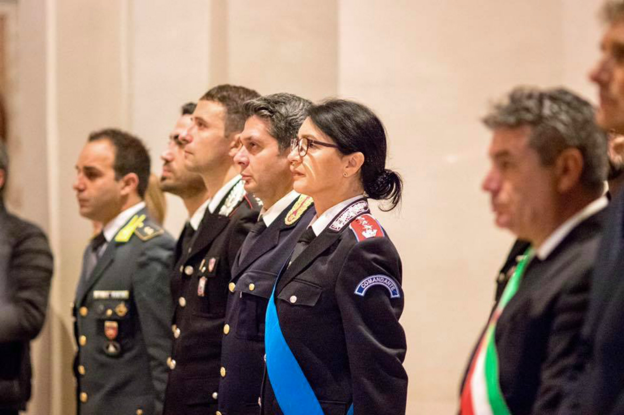 sindaco-seri-fano-Il sindaco di Fano Seri con le Forze dell'Ordineforze-ordine