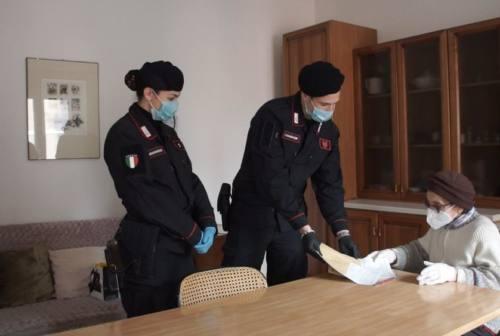Urbino, i carabinieri consegnano a casa la pensione a una 84enne