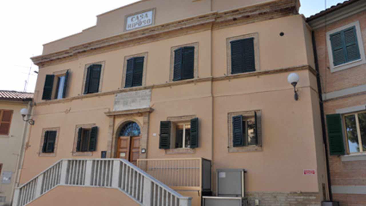 La casa di riposo per anziani della Fondazione O.P. Verri Bernabucci - Uccellini Amurri, nel Comune di Belvedere Ostrense