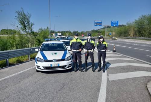Fermati falconaresi nei parchi e un ubriaco alla guida: raffica di sanzioni della Polizia locale
