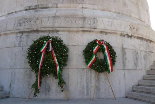 25 aprile, commemorazioni ristrette per la festa della Liberazione. I marchigiani hanno celebrato dai balconi