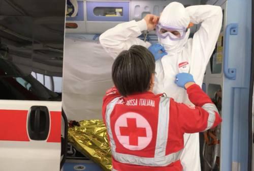 Pesaro, tra emergenza e tempo della gentilezza, Croce Rossa in prima linea