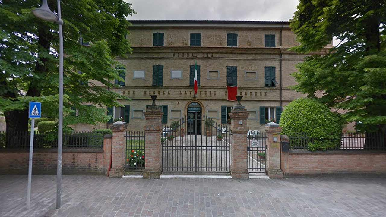 La casa di riposo per anziani della fondazione Opera Pia Lavatori Mariani, a Ripe di Trecastelli