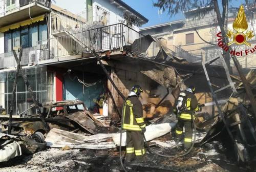 Capanno a fuoco a Belvedere Ostrense, causa incerta