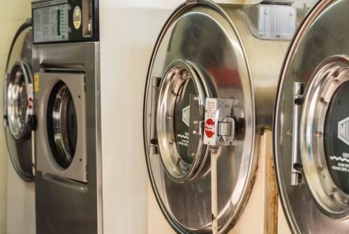 Marche, incontro regionale di Confartigianato Pulitintolavanderie: «Diffidate dei prezzi bassi e ricercate pulizia e igiene»