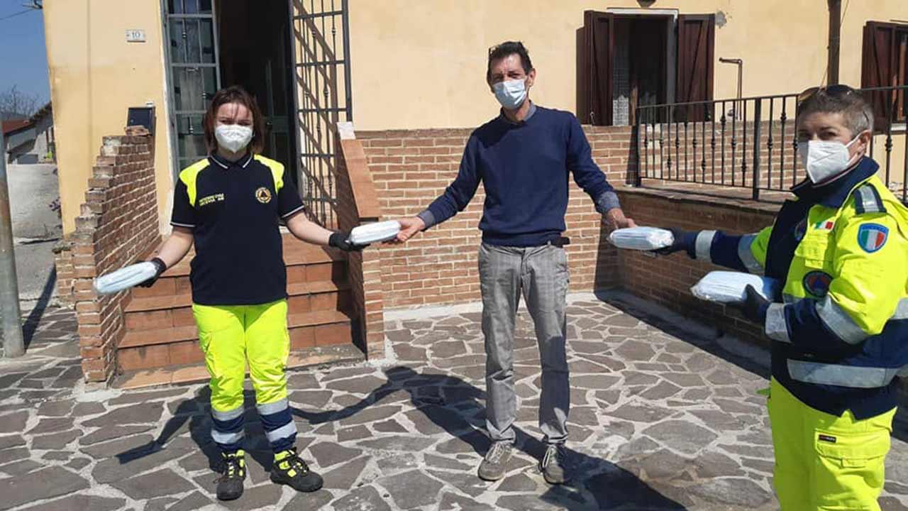 Donate alla comunità di Arcevia migliaia di mascherine per l'emergenza coronavirus