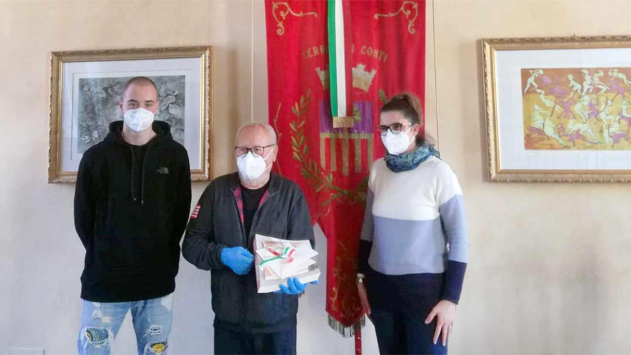 L'imprenditore Sergio Papi ha voluto donare al Comune di Serra de' Conti 5 mila mascherine chirurgiche
