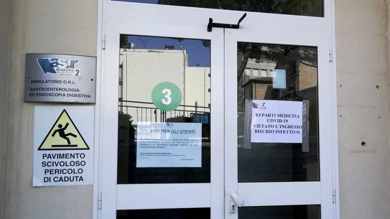Ospedale di Senigallia: la sanità locale riorganizzata per ospitare i pazienti covid-19