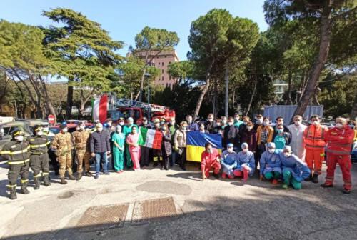 Pesaro, le forze dell'ordine ringraziano Marche Nord. I medici: «Non chiamateci eroi»