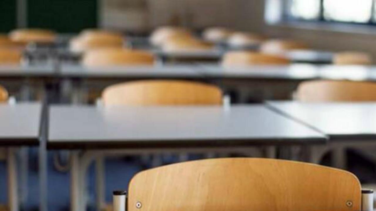scuola, classi, banchi, alunni, studenti, insegnanti