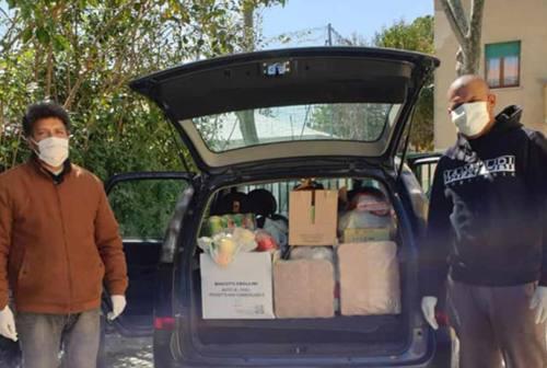 Comunità straniere unite nel volontariato anti coronavirus. Ma non si fermano le frasi razziste