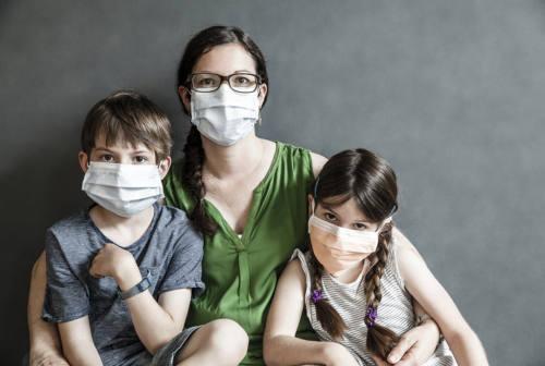 Estate in arrivo, come evolverà il coronavirus? L'infettivologo Andrea Giacometti fa il punto