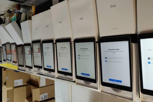 Didattica a distanza, la Fondazione Carifac dona tablet alle scuole del territorio