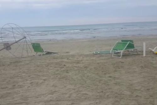 Secondo sabato di movida, ancora danneggiamenti agli stabilimenti balneari di Senigallia