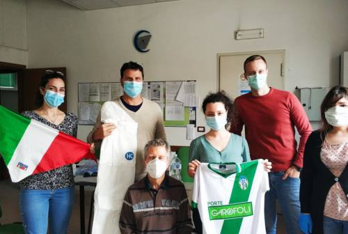 Solidarietà alle Usca, associazioni e cittadini donano tute e visiere