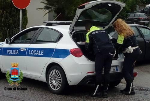 Osimo, circolava sull'auto sequestrata senza revisione né assicurazione: multato
