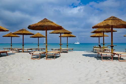 La Riviera del Conero pronta al debutto della stagione estiva, in spiaggia con numero verde e App