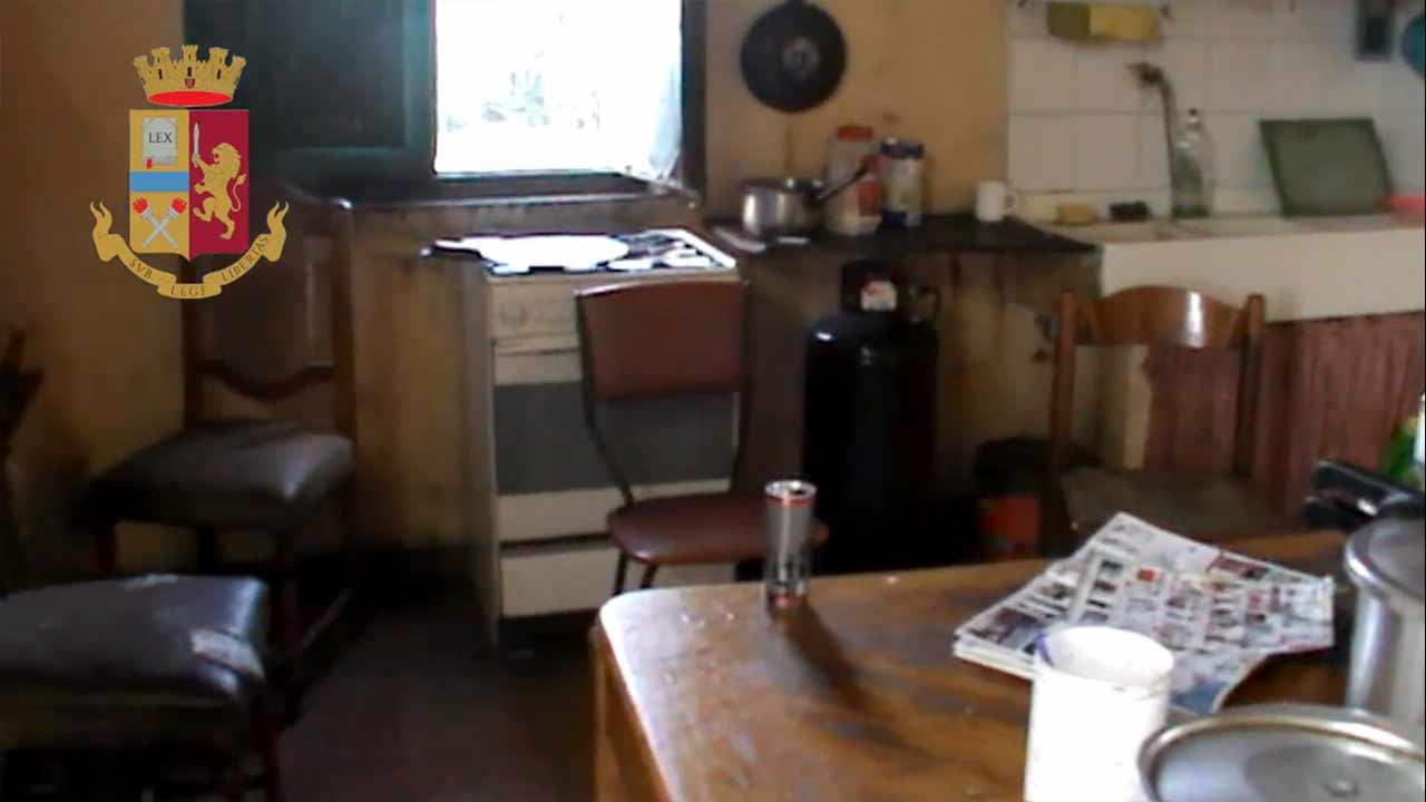 L'immobile al Brugnetto di Senigallia dove erano alloggiati i lavoratori sfruttati