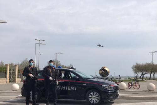 Pesaro Urbino, 63 multe anti covid: una a un giovane che andava dalla fidanzata