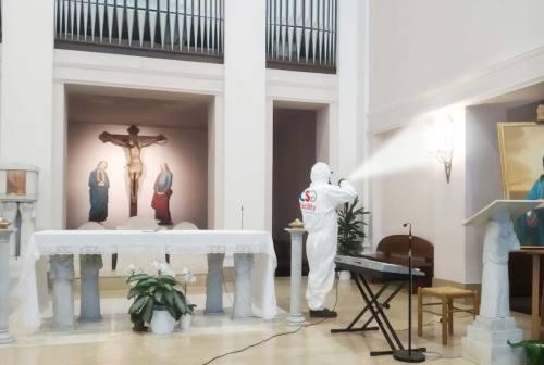 Jesi: la chiesa San Francesco di Assisi ha ripreso le funzioni, tra sanificazioni e dispenser a colonna