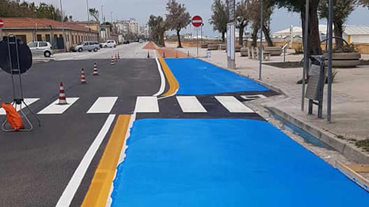 La nuova pista ciclabile sul lungomare Da Vinci di Senigallia