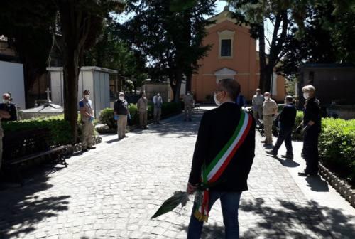 Pesaro, riaprono i cimiteri: mortalità triplicata a marzo e raddoppiata ad aprile