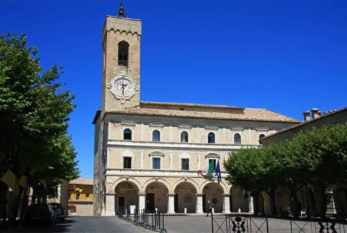 Ospedale di Cingoli intitolato al dottor Foltrani, vittima del Covid. Saltamartini: «Un martire»