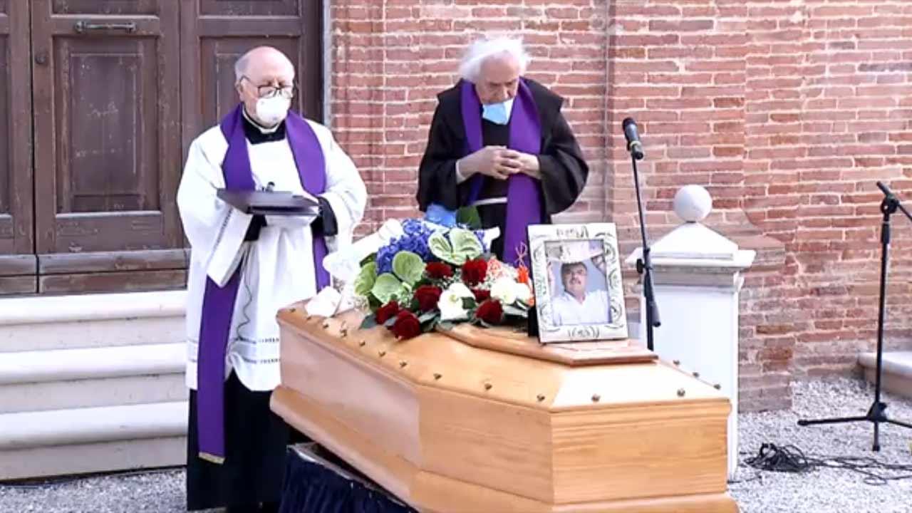 A Mondolfo il funerale di Giuliano De Minicis