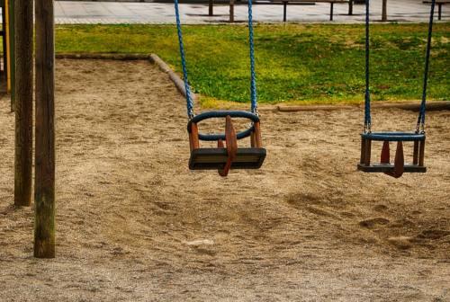 Riaprono i parchi a Macerata; off limits le aree gioco. Carancini: «Fiducia e responsabilità»