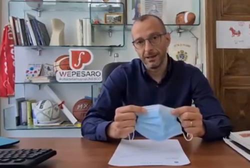 Pesaro, il sindaco propone l'obbligo della mascherina nei luoghi della movida