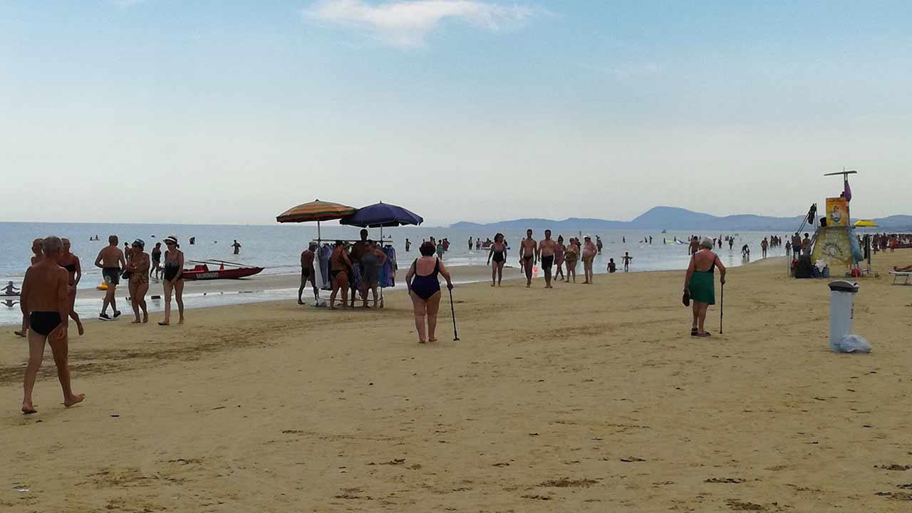 Spiagge, estate anti-Covid: servirà un'app per prenotare