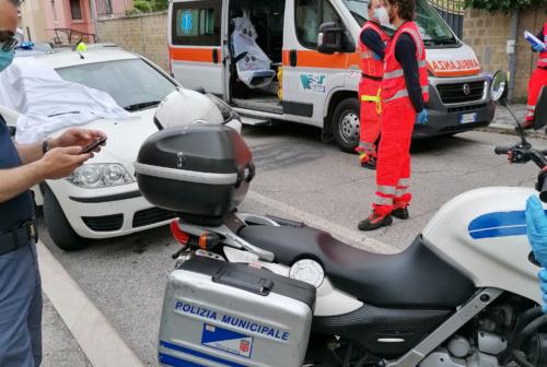 Dramma a Macerata, uomo trovato senza vita nell'auto
