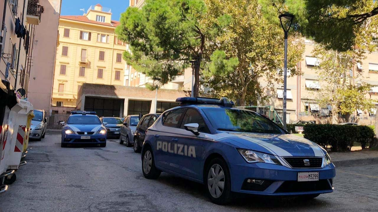 Volanti della polizia di Ancona