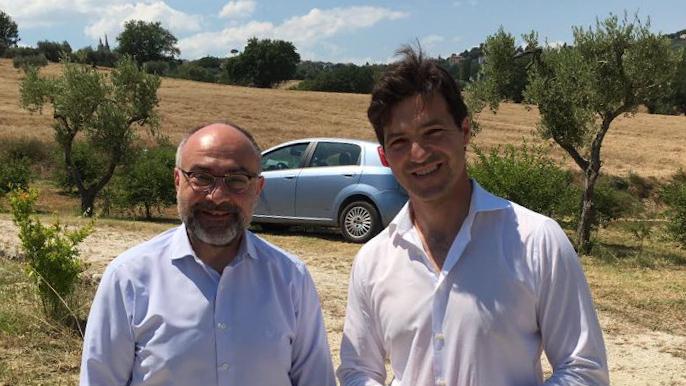 Il consigliere comunale di Ostra Vetere Massimo Bello e il deputato di FdI Francesco Acquaroli