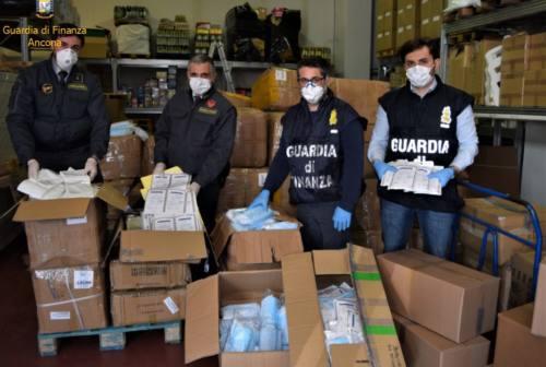 Maxi sequestro di mascherine non a norma, le fiamme gialle denunciano azienda di Falconara