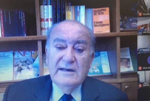 Il presidente del Censis De Rita: «Marche sistema compatto ma isolato. No all'alibi della mancanza di infrastrutture»